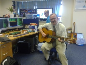 Hugh Hyndman of Smart 421 plays Hotel California at Timico