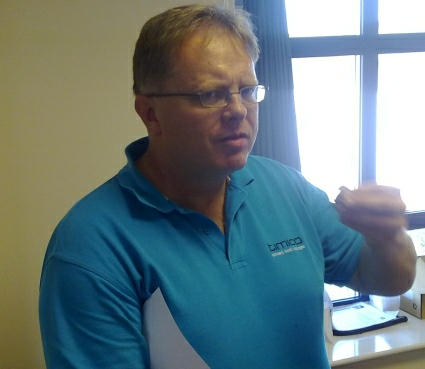 trefor davies judges the Timico chocolate cake competition