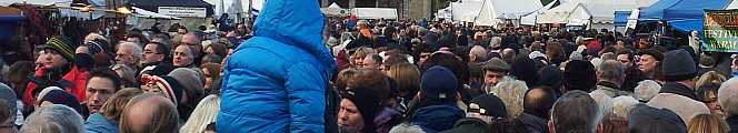 crowds at the Lincoln Christmas Market 2011