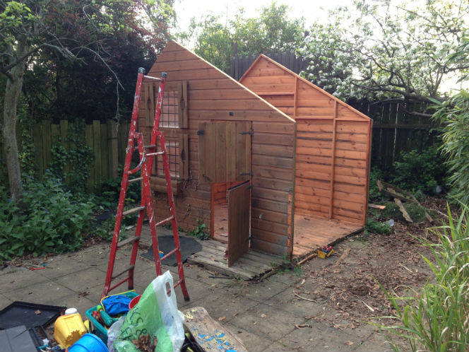 roofless playhouse