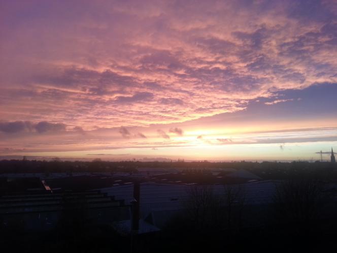 Wonderful sky at dusk over Newark