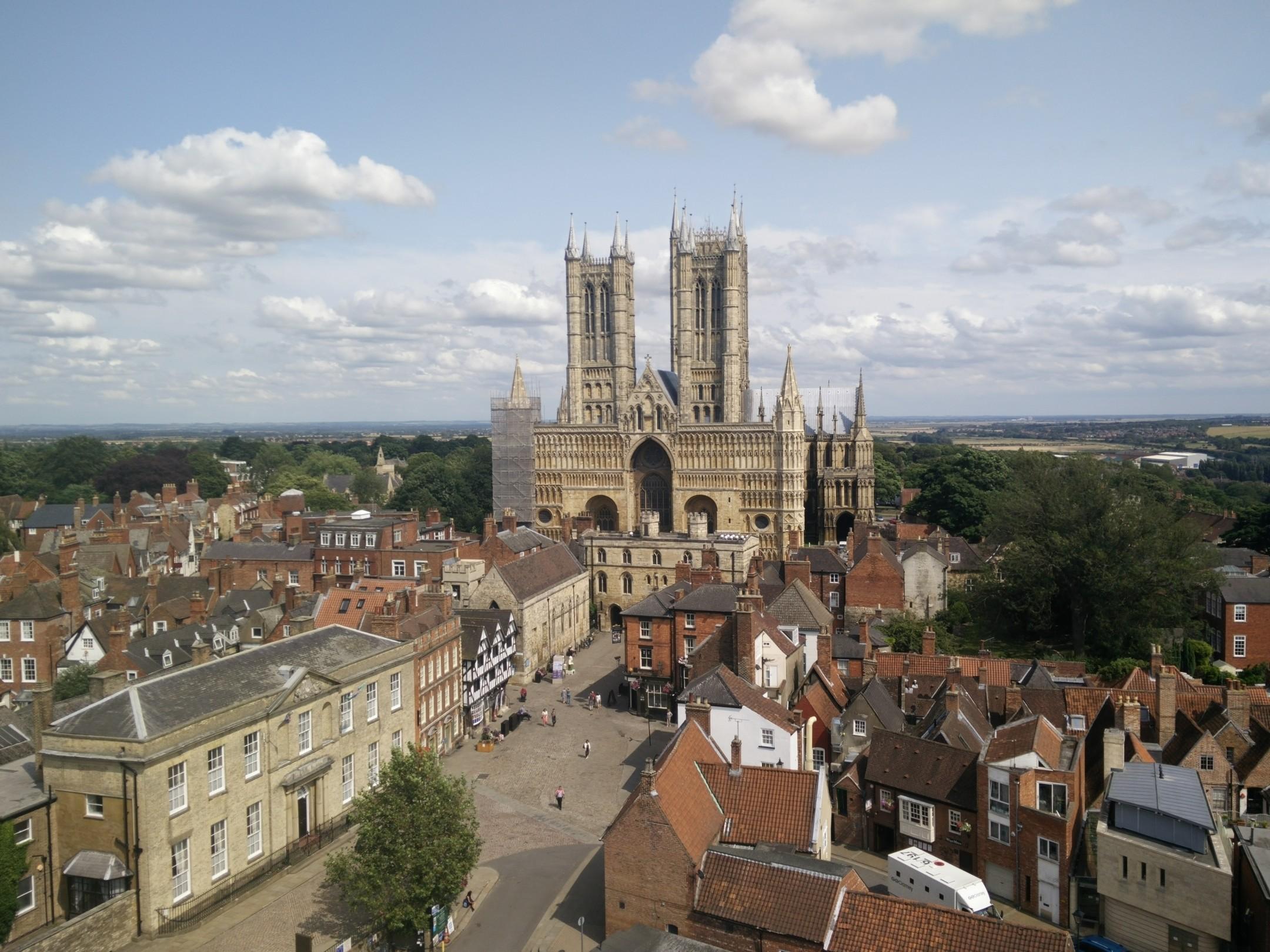B4RL Lincoln Cathedral Lincolnshire broadband BT superfast broadband lincolnshire